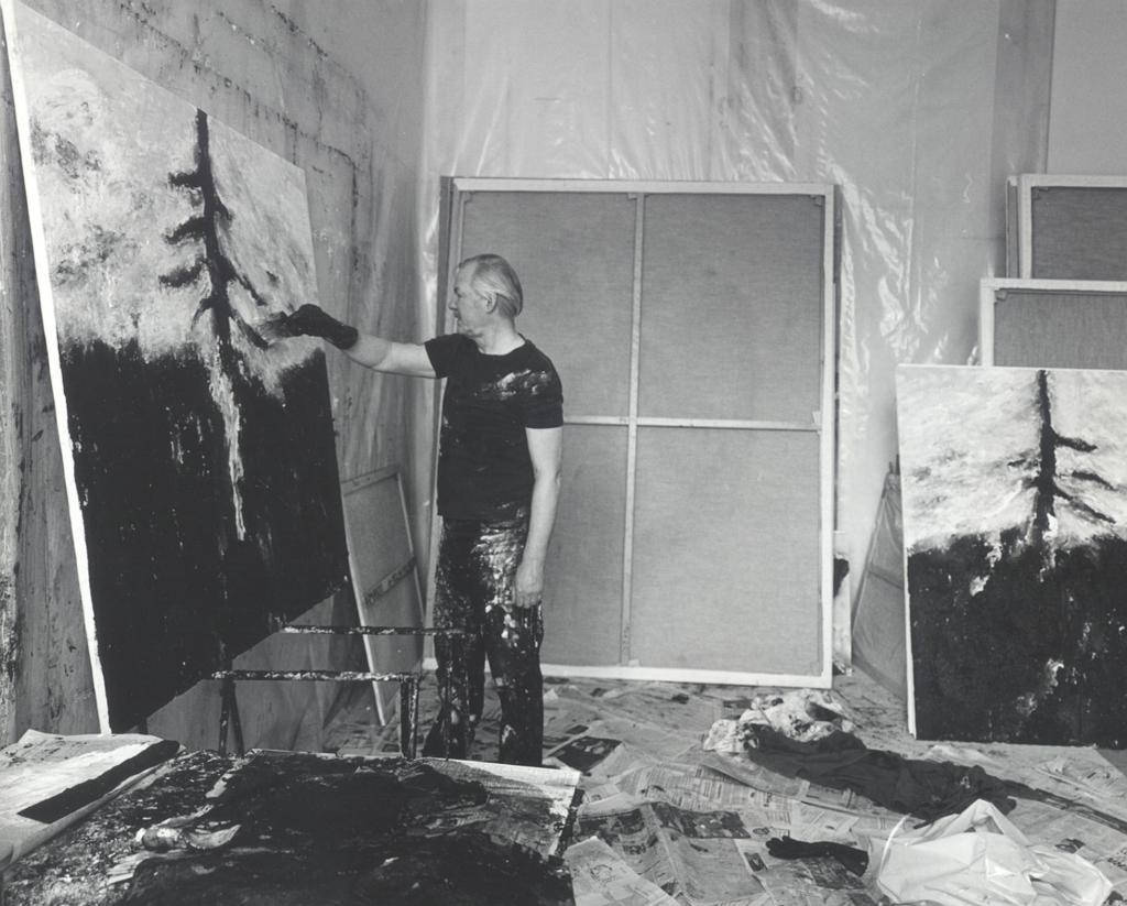 Armando in zijn atelier in Berlijn (foto: Conny Meslier)